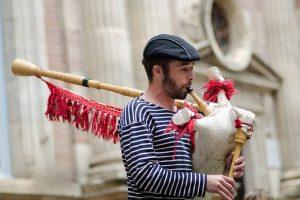 animation et bal renaissance avec la Petite Flambe à Guérande